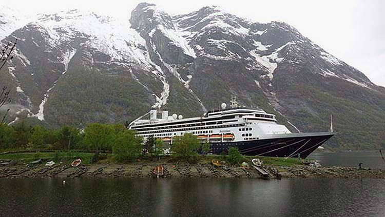Navi elettriche e porti ecologici in Norvegia